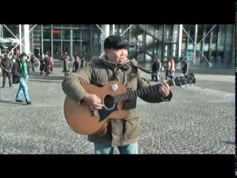 Nouveau talent, Homme qui joue de la guitare