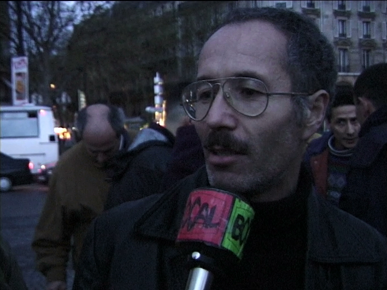 Un jour pour l'Algérie n° 28 avr 98 (manif du mois)