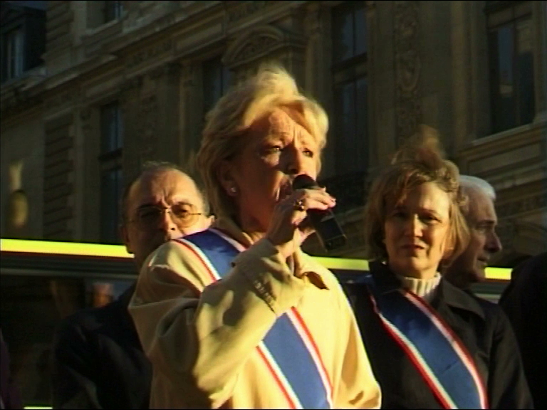 front national mains propres oct 00