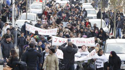 Une-marche-a-Aulnay-sous-Bois-pour-reclamer-Justice-pour-Theo